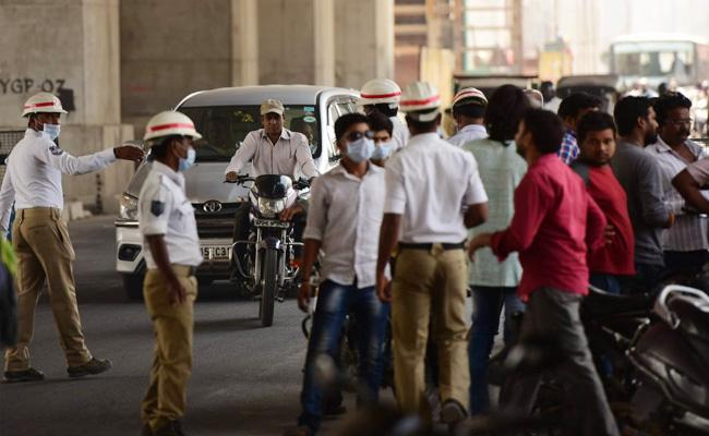 Traffic Challan Strict Rules in Hyderabad - Sakshi