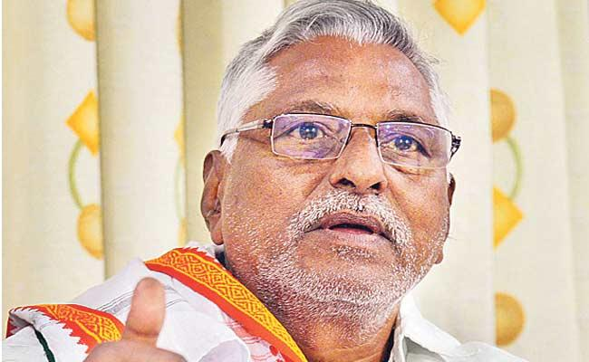 Congress MLC Jeevan Reddy Slams On KCR - Sakshi