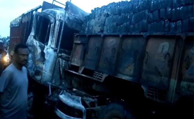 2 Died In Road Accidents In Vizianagaram - Sakshi