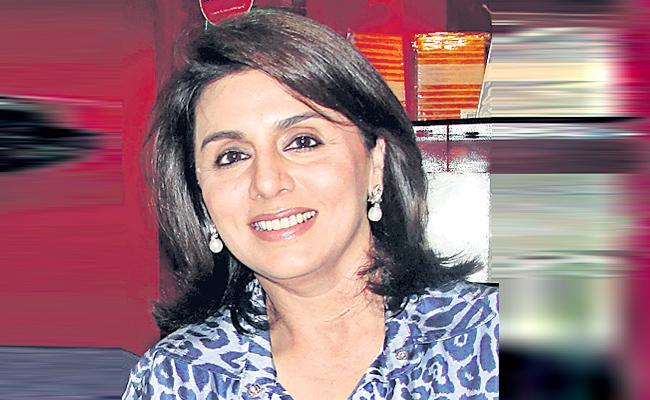 Rishi Kapoor Wife Neetu Kapoor Plan This Vinayaka Chavithi - Sakshi