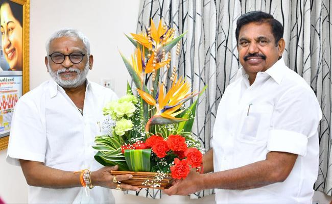 TTD Chairman YV Subba Reddy Meets Tamil Nadu CM Palaniswami - Sakshi