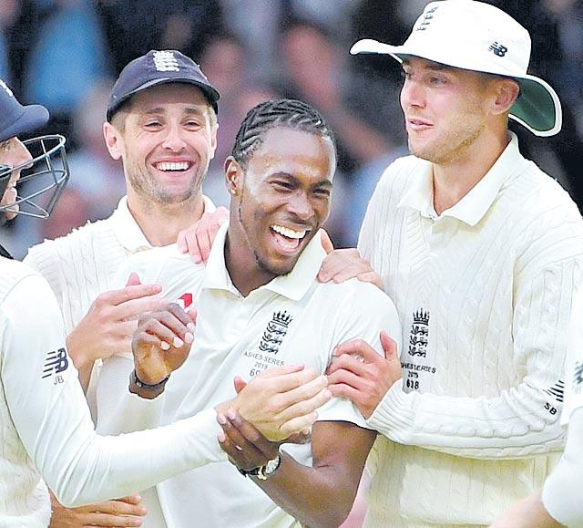 Jofra Archer Takes Six As Australia All Out For 179 In Third Test - Sakshi