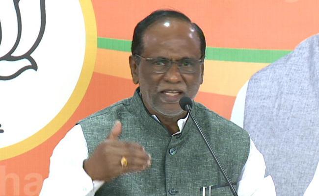 BJP Leader k Laxman Slams On TRS Party  In Hyderabad - Sakshi