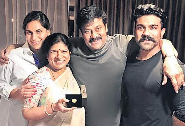 Ramcharan Wrote An Emotional Note For Father Chiranjeevi On His birth day - Sakshi