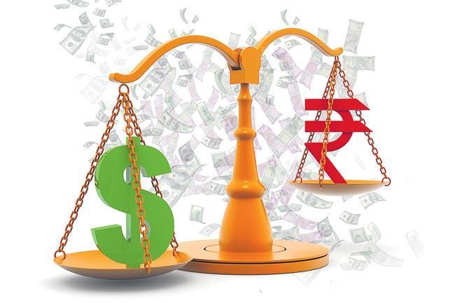 Rupee crashes to over 8-months - Sakshi