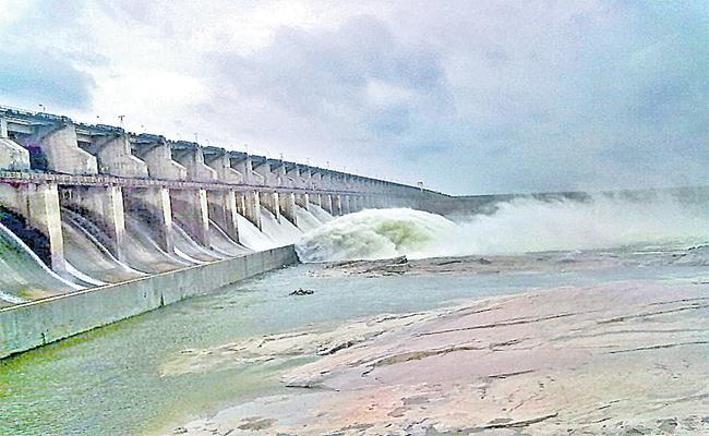 Central Government Preferred To Icchampally Reservoir To Drift Krishna- Godavari Water To Kaveri - Sakshi