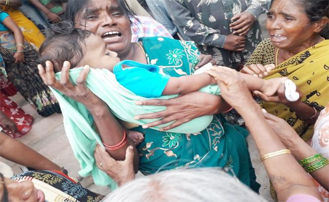 Seven Month Old Dies After Injection At Warangal - Sakshi
