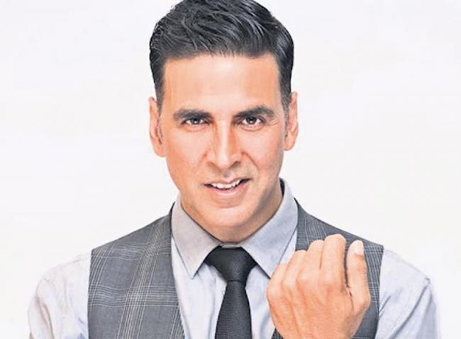 Akshay Kumar takes 4th spot in Forbes highest paid actors - Sakshi