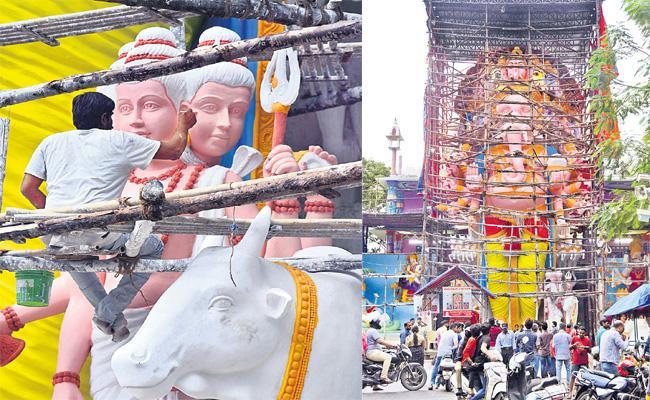 Khairatabad Ganesh End With Seven Colours Coating - Sakshi
