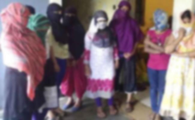 Bangladesh Prostitution Gang Arrest in Hyderabad - Sakshi
