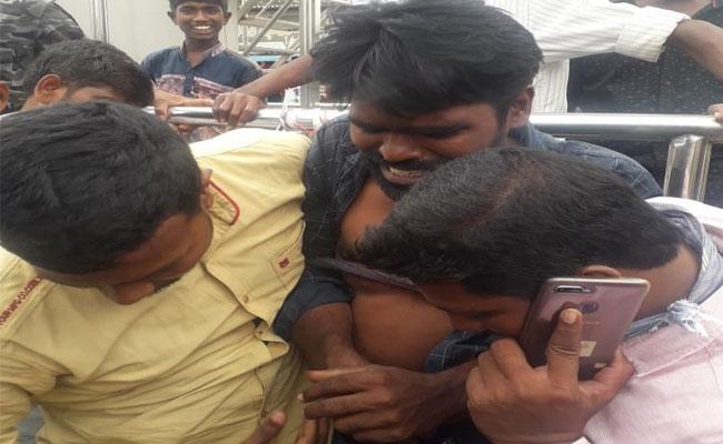 Police Arrested A Debts Cheater In Khammam - Sakshi