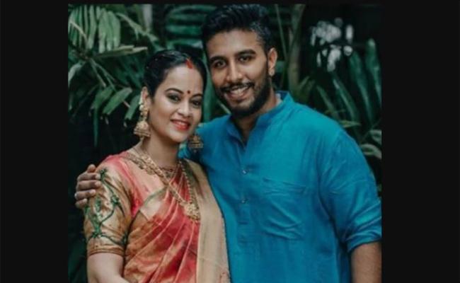 Suja Varunee and Shiva Kumar Happy On Their Baby Boy - Sakshi