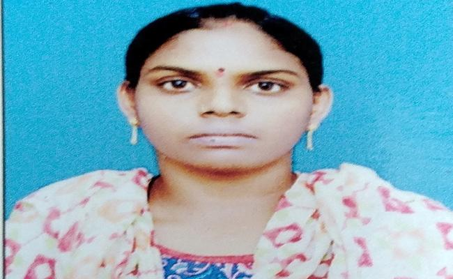 West Godavari woman facing severe violence in Dubai - Sakshi