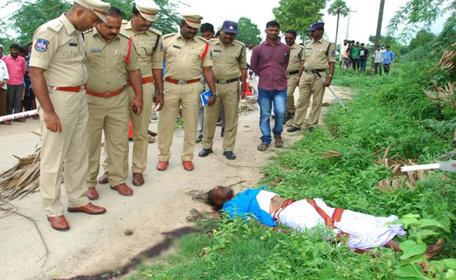 Man Brutally Killed In Valigonda Village In Bhuvanagiri - Sakshi