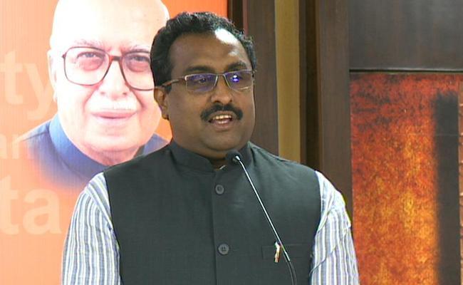 Arun Jaitley Is An Political All Rounder, says Ram madhav - Sakshi