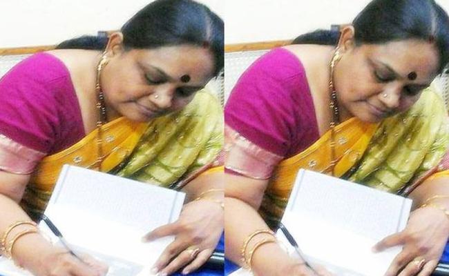 Famous Writer Jagaddhatri Committed Suicide - Sakshi