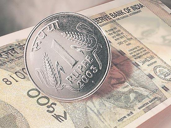 Rupee rebounds 15 paise to 71.66 against USD - Sakshi