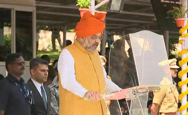 Amit Shah Praises Sardar Vallabhbhai Patel In National Police Academy - Sakshi