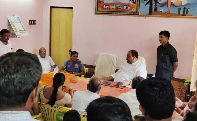 TDP Leader Atchannaidu Threat Mpdo In Kotabommali - Sakshi