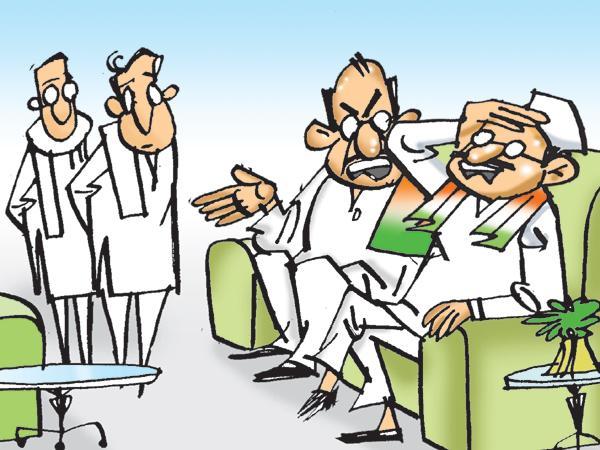 Uttam Kumar Reddy talks with seniors on BJP  - Sakshi