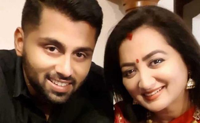 Sumalatha Gave Calrity on Abhishek Political Entry - Sakshi