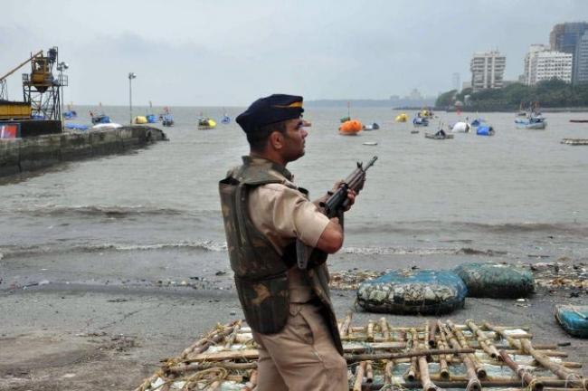 Indian Navy on high alert, strict vigil in Tamil Nadu - Sakshi