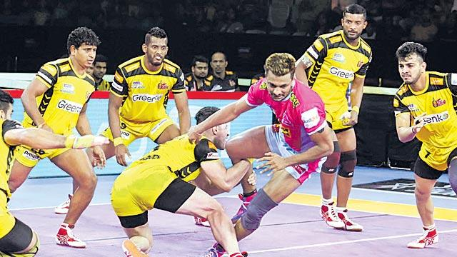 Telugu Titans continue resurgence with win over Jaipur Pink Panthers - Sakshi