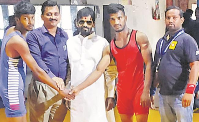 Azhar Ali Khan Wins Wrestling Title - Sakshi