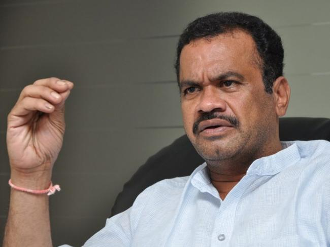 Congress Leader Komatireddy Venkat Reddy Slams TRS - Sakshi