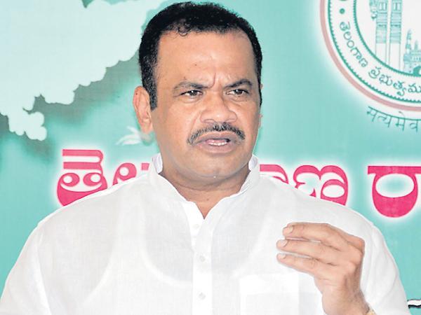 Komatireddy Venkat Reddy comments about Kaleshwaram Project Illegality - Sakshi
