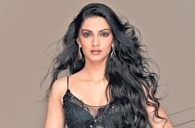 Sonam Kapoor reveals that she has iodine deficiency - Sakshi