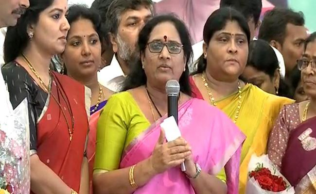 AP Women Commission Chairperson Vasireddy Padma Praises CM Jagan - Sakshi