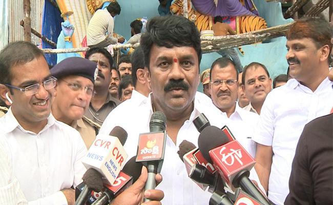 Khairatabad Ganesh Nimajjanam Will Held At Hussain Sagar - Sakshi