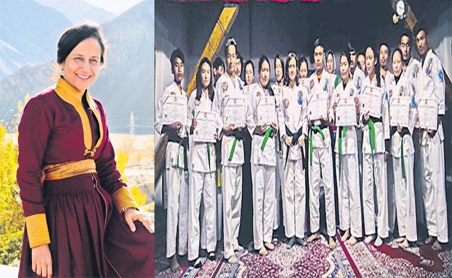 Ladakh School Geethanjali Teacher Special Story - Sakshi