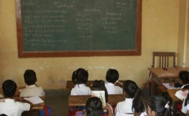 Teachers Are Not Coming Regularly At Kubeer Govt School In Nirmal District - Sakshi