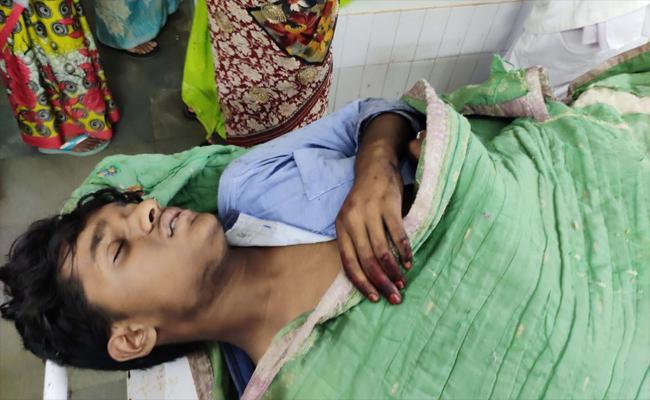 Student Injuries Falling Off a Train Gutti - Sakshi