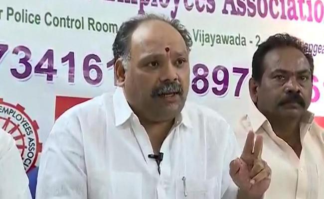 AP Government Employees Union Fires On Kuna Ravikumar - Sakshi