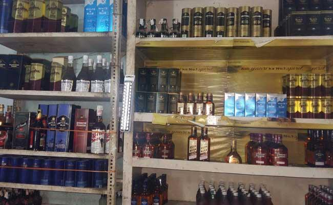 Transparent Liquor Sales With The New Liquor Policy - Sakshi