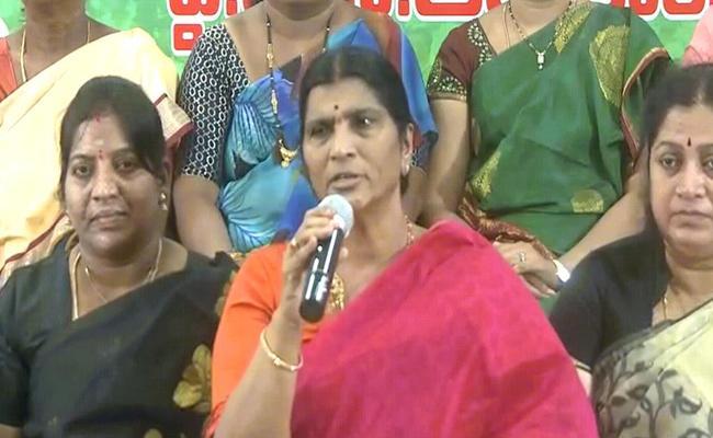 YSRCP Leader Lakshmi Parvathi Fires On Chandrababu - Sakshi