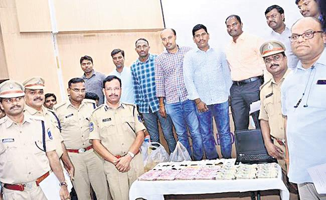 Cyberabad Economic Offence Wing Complete One Year - Sakshi