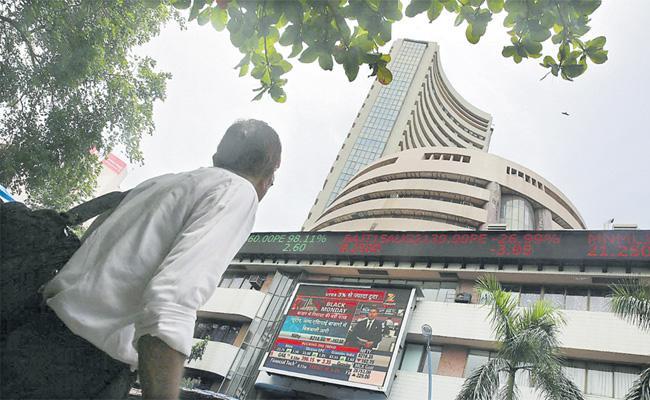 Third Day 48 Points Profits Stock Market - Sakshi