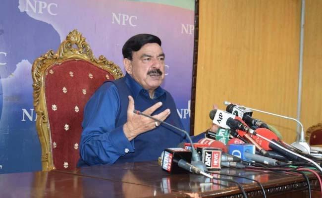 Now Pak minister forecasts India-Pakistan war in October or November - Sakshi