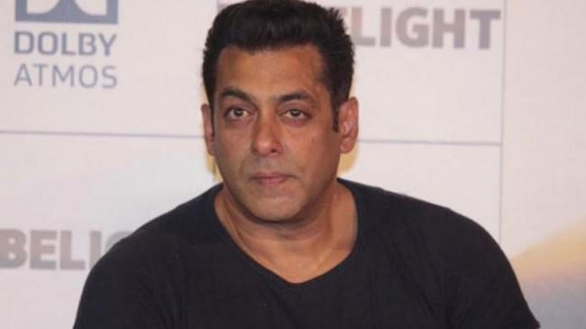 Salman Khan Completes Three Decades In Bollywood - Sakshi