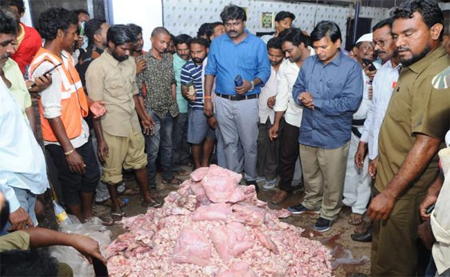 Police Investigating Chennai Chicken In Nellore - Sakshi