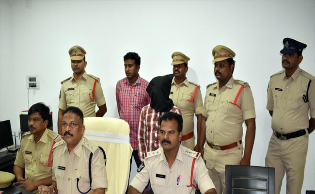 Police Arrested Murder Accused In Nellore - Sakshi