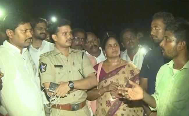 Chintamaneni Prabhakar Scold And Attacks Dalit Men At Pinnakadimi - Sakshi
