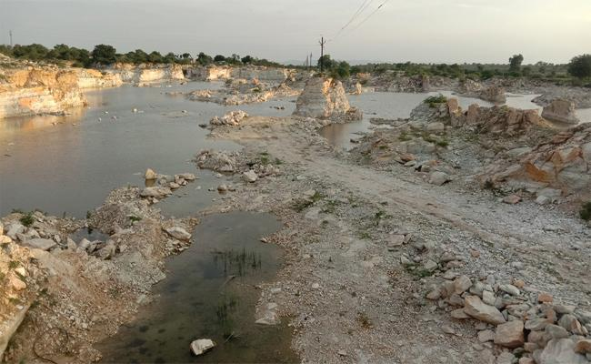 Yarapathineni Srinivasa Rao In Deep Trouble Over Gurazala Illegal Mining - Sakshi