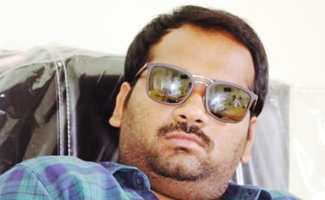 Cricket buki,TDP leader arrested at  Narasaraopet - Sakshi