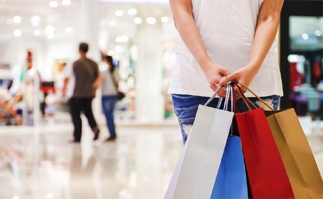 Free Shopping in Cental Mall - Sakshi