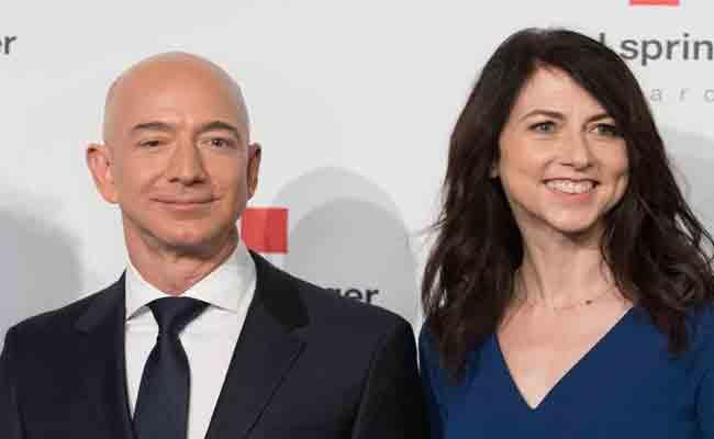 MacKenzie Bezos Become World Third Richest Woman - Sakshi